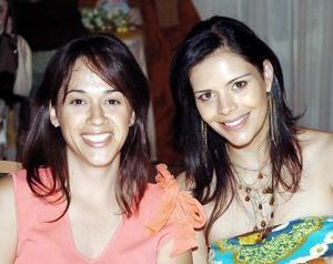 Marisa Ibarra de Dueñes y Claudia de Olmos.