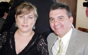 Bárbara de Garza y Gustavo Garza.