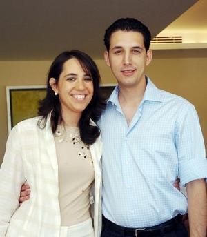 <b>04 de octubre 2005</b><p> Ricardo García y su novia Judit Anton quien vino de Pamplona España.