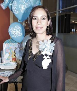 <B>03 de octubre 2005</b><p> Rosa del Carmen López de Cuerda disfrutó de una fiesta de despedida de canastilla.