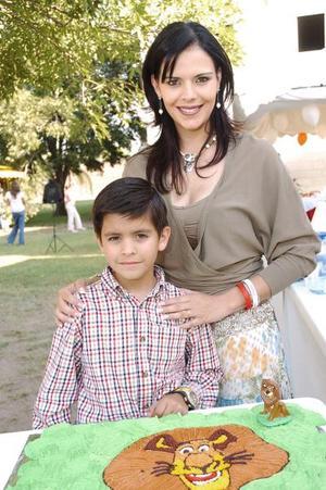 Alejandro Olmos Morales disfrutó de una reunión infantil que le organizó su mamá, Claudia Morales de Olmos, con motivo de su octavo cumpleaños