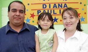 Diana Paulina Luna Holguín cumplió tres años de vida y sus papás, Gustavo Luna Marín y Diana Holguín de Luna, le prepararon una divertida fiesta.