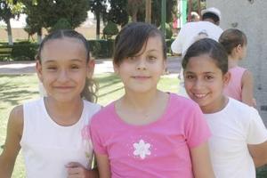 Ruth Sifuentes, Victoria Mendoza y Daniela Gutiérrez.