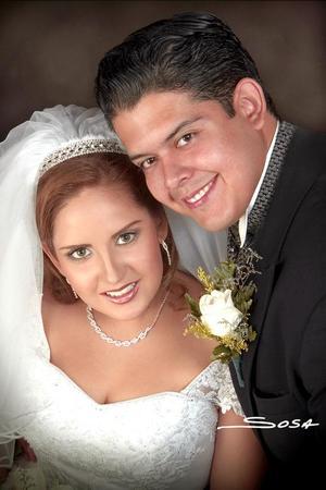 Sr. Marcos Olivia González y Srita. Vanessa Pérez Villezca unieron sus vidas en el sacramento del matrimonio en la parroquia de la Virgen de la Encarnación, el pasado 13 de agosto.