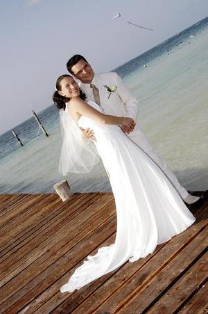 Sr. Sylvain D. Masset y Srita. Rocío Arreola Enríquez, el día de su boda religiosa, celebrada el pasado seis de agosto.