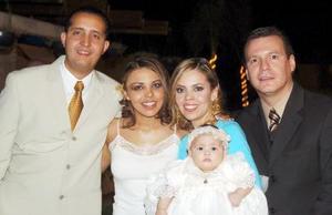 Leonardo Cordero Tafoya, Olga Georgina Darwich de Cordero, Liliana González de Izaguirre, Vicente Izaguirre Marín y la pequeñita Zambra. Cordero Darwich.