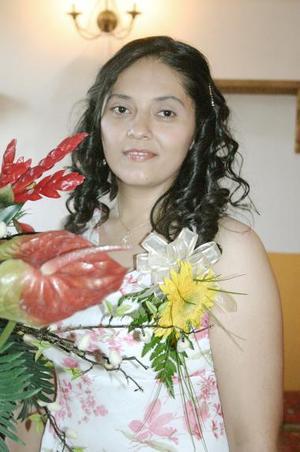 Con un ameno convivio, fue despedida de su vida de soltera Cristina Ramos Villa.