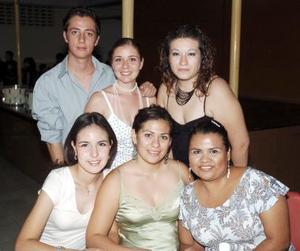 Úrsula Sánchez, Laura M. Berumen, Joselyn Valdés, Julio Quiñones, Mariana Pereda y Lizzett Barrón, generación 1987-2001.