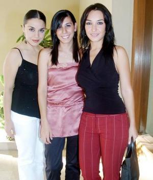 Karo Iza, Elena Siller y Raquel Lavín.