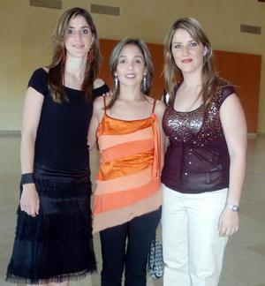 Gaby Zarra, Ana Cris Aranda y Ale Zarra.