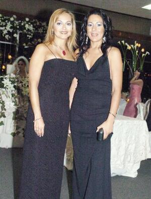Cristina de Nahle y Mónica de Pérez.