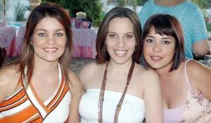Brenda de González, Valeria de Menéndez y Mónica de Enríquez.