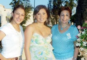 <B>06 de octubre 2005</b><p> Liliana Anaya Kessler, Massiel Manzanera de Anaya y  Elena de Anaya.