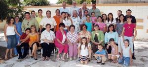 Acompañada de toda su familia, doña Clelia Calderón de Morales celebró su cumpleaños.