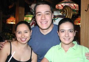Silvia Meraz, Guillermo Robles y Adla Karam.