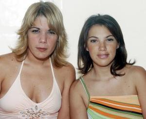 Iciar Villarreal y Pilar Lavín.