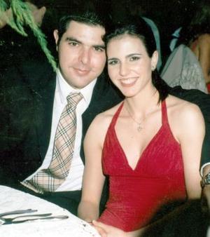 <b>08 de octubre 2005</b><p> Pedro Ruenes y Zaida Faccuseh.