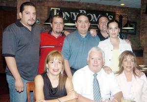 Jesús Sotomayor Garza celebró su cumpleaños en compañía de Geraladine Sotomayor de García, Pilar Hernández de Sotomayor, Jesús Gerardo, Érika y José Sotomayor Hernández, Jorge y Gerardo García.