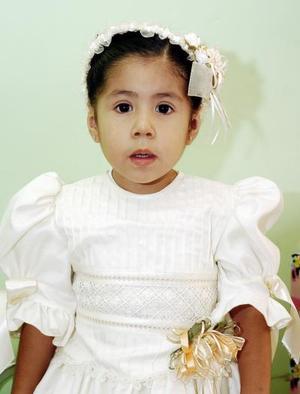 <b>07 de octubre 2005</b><p> Andrea Donato García recibió bonitos regalos en su fiesta de cumpleaños.
