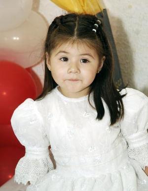 Con una bonita fiesta, Ana Sofía Rosales Mendoza celebró su tercer cumpleaños acompañada de sus papás y amiguitos.