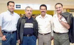 Roberto Montes de Oca y Héctor Martínez llegaron del DF, los recibieron Javier Canales y Mario Hernández.
