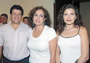 Verónica Esqueda Tello , Héctor Ramírez y Martha Arriaga
