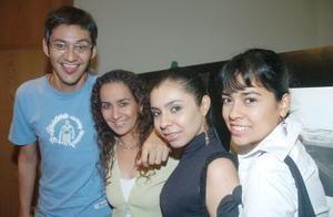 Elías Agüero, Zehenia Ramírez, Aliana Arroyo y Lorena Valdivia.