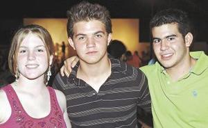 Isabella Devitri, Carlos Alatorre y Miguel Murra.