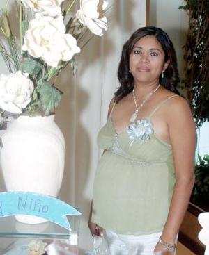Esperanza Vélez y Adriana Cepeda le ofrecieron una fiesta de canastilla a Lilia Mayela Cepeda Vélez, por el próximo nacimiento de su bebé.