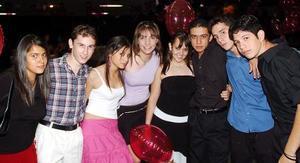 Héctor, Beto, Jorge, Corina, Ana Laura, Ximena Juan y Laura.