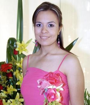 Yveth Rocío Flores de la Cruz, captada en la fiesta prenupcial que le ofrecieron sus familiares, por su próxima boda con Carlos Manuel Grageda Torres.
