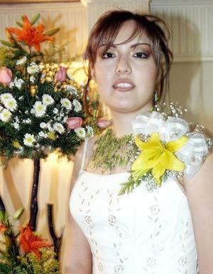 Denisse Reyes Estrada disfrutó de una fiesta de despedida.
