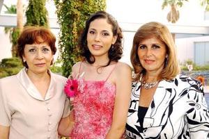 Ana Lucía Mojica Rodríguez y María Idalia Rosas de Chapa le ofrecieron una despedida de soltera a Tania E. Velázquez Mojica