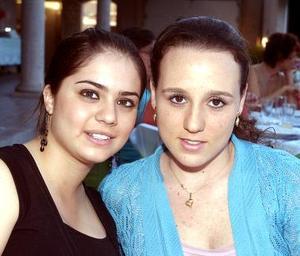 Ana Viesca y Valeria Córdova.