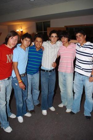 Gerardo, Pollet, Alejandro, Agustín, Nayo y Ternu.