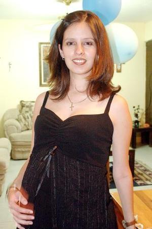 <B>10 de octubre 2005</b><p> Katia Isabel Parra de González.