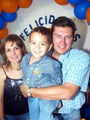 <b>10 de octubre 2005</b><p> Marcelo González Ceniceros celebró su quinto cumpleaños, con una fiesta que le organizaron sus papás, Adriana y Marcelo González Celis