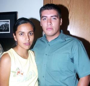 Mayela Alemán y Omar Enríquez.