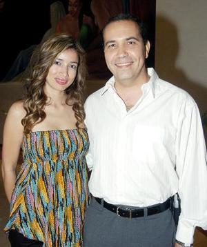 <b>09 de octubre 2005</b><p>  Migdalia Cavazos y Pedro Villa..