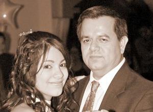 Maribel con su papá Héctor González Domínguez.