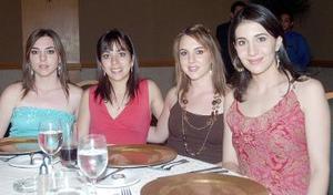 <b>11 de octubre de 2005</b><p> Susana Garza, Ana Tere de Torres, Sofía de Marcos y Sofía de Mijares.