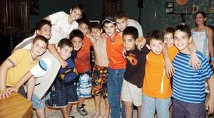 Con una entretenida fiesta, Jesús Barrera Paredes celebró sus 11 años de vida acompañada por numerosos amigos.