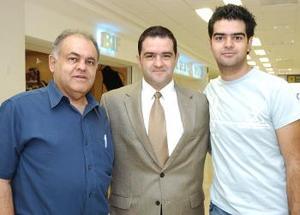 Alejandro y Ramón Camposeco, viajaron a México, DF., y los despidió Ramón Camposeco A.