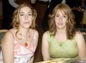 Karem de Soto y Liliana de González.
