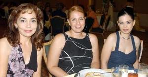 Liliana Estrella, Carola Villalpando y Moyel Ibarra.