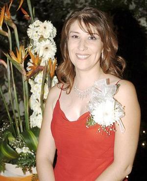 <B>12 de octubre de 2005</b><p> Nora Aizupuru Cruces, captada en la despedida de soltera que le ofrecieron por su próximo enlace nupcial con Alfonso Mijares Ramírez