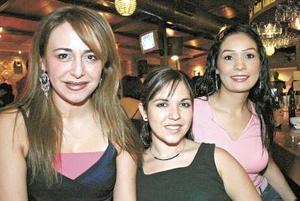 Vanessa Delgadillo, Carolina Venegas y Grayan Villalobos.