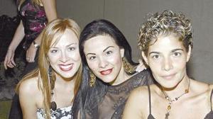 <b>14 de octubre de 2005</b><p> Sofía de  Olague, Martha Rodríguez y Sandra Peláez.