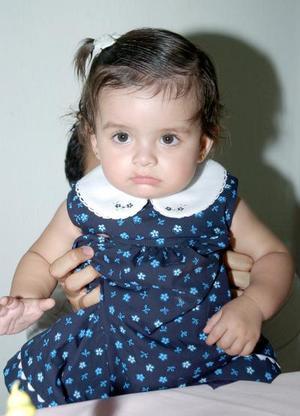 <b>13 de octubre 2005</b><p>  Ana Lucía Suárez Vera celebró su primer año de vida, con una piñata.