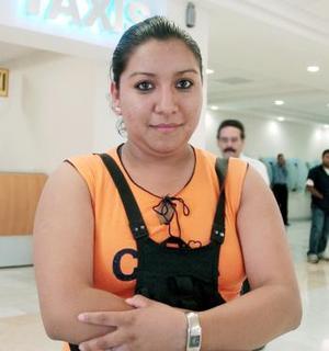 Genoveva Rivera López arribó a Torreón, procedente de Los Ángeles, California.